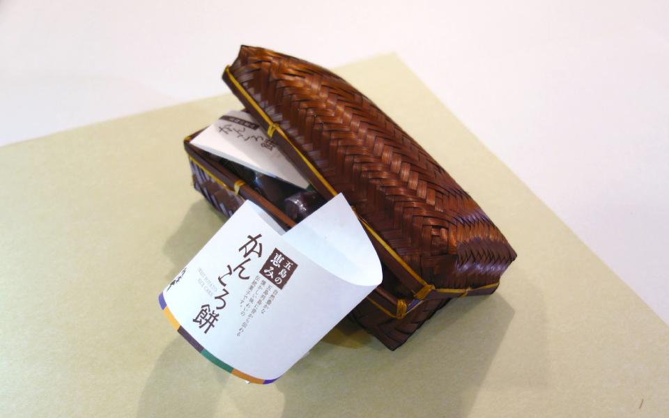 長崎県五島列島の郷土料理の[かんころ餅]をイメージしたパッケージデザイン